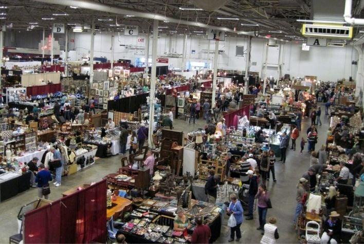The DC Big Flea Antiques Market Chantilly VA